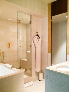 Bathrobe - Park Hyatt Paris Deluxe Room