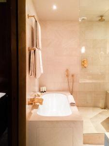 Bathtub in Deluxe Room