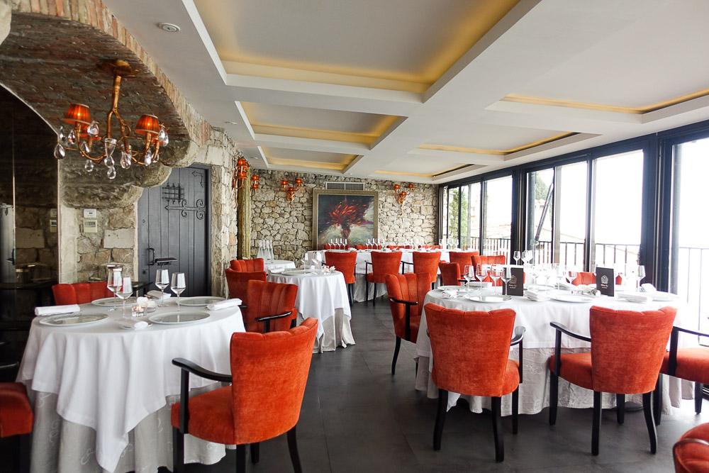chateau-eza-main-dining-room